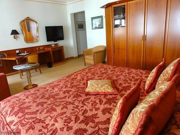 Our room at the Bülow Residenz: warm and spacious.