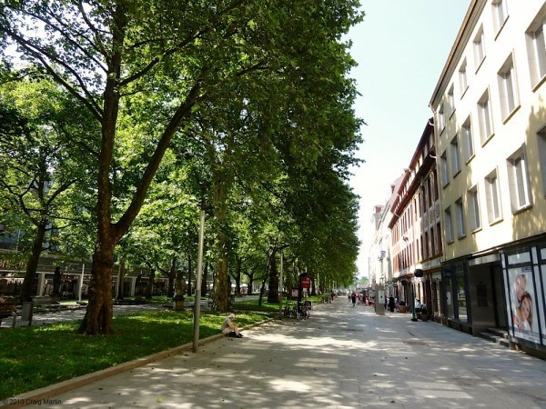 Wide pedestrian avenues with designer boutiques off it.
