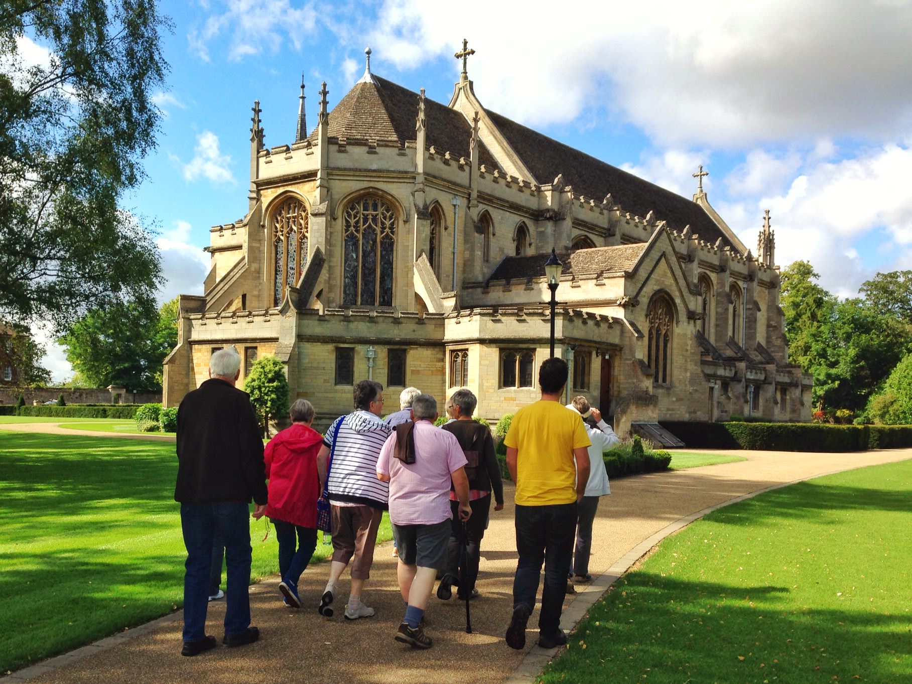 Free walking tour of Oundle UK