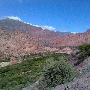 argentina travel - red mountains of cafajate_square