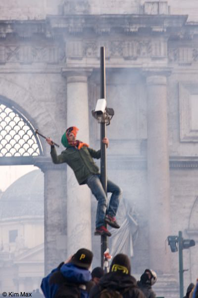 december riots in rome italy