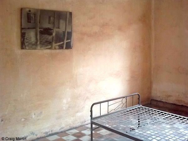 tuol sleng s21 - things to do in Phnom Penh Cambodia 01